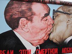 Político: A queda do Muro de Berlim