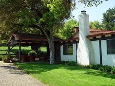 What a peaceful home, Rancho del Cielo.
