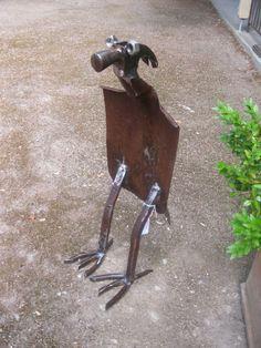 hammer bird- garden art