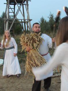 Dancing with sheaf. Harvest Festival 2014