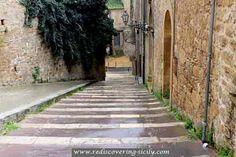 Piazza Armerina - stairway passage