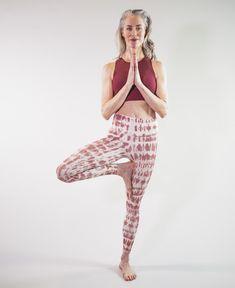 #moonchildyogawear White Anemone Flower, Seamless Leggings, Moonchild, Yoga Wear, Hot Yoga, Second Skin, Yoga Leggings, Printed Leggings, Fashion News