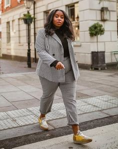 Intimidated by power suits heres how to find one youll actually wear Warm Outfits, Cool Outfits, Womens Power Suit, Dress Over Pants, Plus Size Suits, Suits For Women, Clothes For Women, Winter Suit, Work Fashion