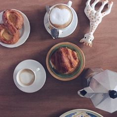 A little too early for #BreakfastWithSophie for my taste but pastries & coffee are a great consolation // @breakfastwithsophie by @allafiorentina