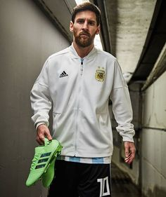 Somebody's looking World Cup ready How far will Messi take Argentina this summer? Messi Soccer, Messi 10, Adidas Football, Football Soccer, Watch Football, Lionel Messi Family, Lionel Messi Wallpapers, Argentina National Team, Leonel Messi