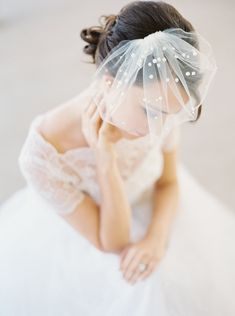 Mini birdcage veil with pearl polka dots - have you ever seen anything so gorgeous??