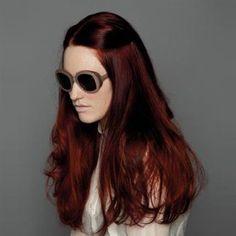 Going thru a red hair obsession. Red Violet Hair, Red Brown Hair, Bright Red Hair, Burgundy Hair, Pink Hair, Reddish Brown, Hair Color And Cut, Hair Color Dark, Brown Hair Colors