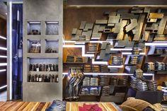 Clothes+showroom+(24).jpg (720×480)