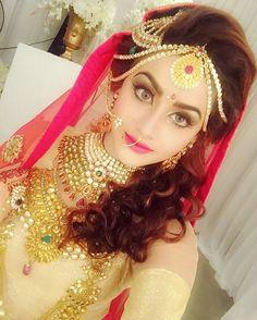She's to much beautiful Pakistani Wedding Outfits, Pakistani Bridal, Bridal Makeup, Bridal Hair, Best Bride, Bridal Photography, Bridal Looks, Beautiful Bride, Beautiful Dresses