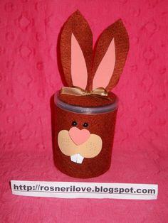 Potinho com coelho engraçado para rechear com bombons nesta páscoa !
