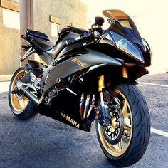 3Hƒ0®   #Jbikes   #Yamaha R6
