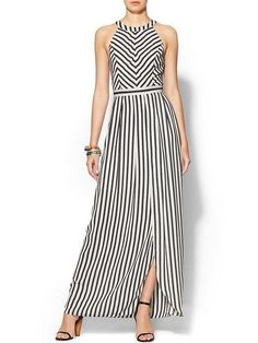Black and white striped maxi dress with halter neckline Casual Dresses, Fashion Dresses, Summer Dresses, Sewing Dress, Dress Skirt, Dress Up, Striped Dress, Dress Black, Designer Dresses
