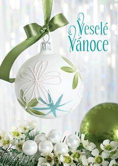 Christmas Art, Christmas And New Year, Christmas Bulbs, Glass Vase, Wallpaper, Holiday Decor, Xmas, Christmas Light Bulbs, Wallpapers