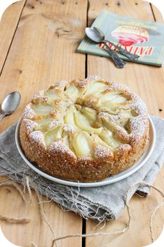 Moelleux poire-chocolat (1) Pear Recipes, Fruit Recipes, Sweet Recipes, Cake Recipes, Dessert Recipes, Just Desserts, Delicious Desserts, Dessert Aux Fruits, Food And Drink