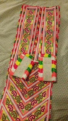 Old pattern Hmong Clothing, Turkey Brine, Palestinian Embroidery, Cross Stitching, Cross Stitch Patterns, Embroidery Designs, Tassel, Bohemian Rug, Applique