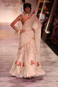 Lakme Fashion Week, India Fashion, Lengha Choli, Sarees, Indian Clothes, Indian Outfits, Tarun Tahiliani, Fancy Blouse Designs, Traditional Fashion