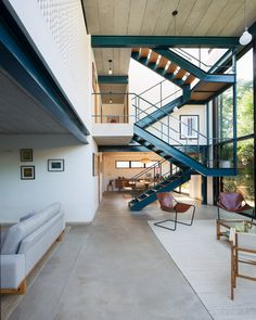 Gallery of Blue House / Bruno Levy - 1