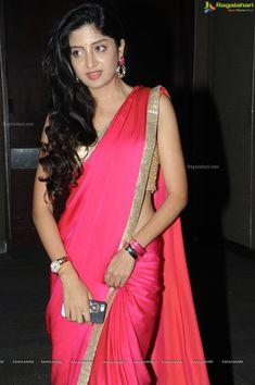Beautiful Girl Indian, Beautiful Hijab, Beautiful Indian Actress, Indian Bridal Sarees, Indian Beauty Saree, Trendy Sarees, Fancy Sarees, Lace Saree, Satin Saree