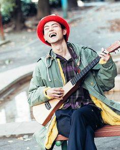 いいね!14件、コメント1件 ― 菅田将暉くんファンアカウントさん(@philip_cyclone)のInstagramアカウント: 「. 今にも笑い声が聞こえてきそうなこの一枚。 あなたが笑っているだけで、ファンは心から幸せです。 #菅田将暉」