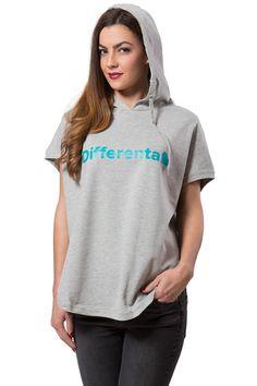 Sportovně navržená mikina Differenta Design vás ohromí svým unikátním střihem. Tento moderní kousek má totiž krátké rukávy, což z mikiny dělá ideální doplněk při návštěvě posilovny nebo v počasí, které ještě není tak studené. #damskemikiny #differentcz #differentadesign ♥ Blue Grey, Tommy Hilfiger, Turquoise, Hoodies, Sweaters, Cotton, T Shirt, Tops, Free