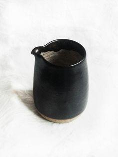 Milchkännchen, handgemachte Keramik. Creamer - handmade pottery.