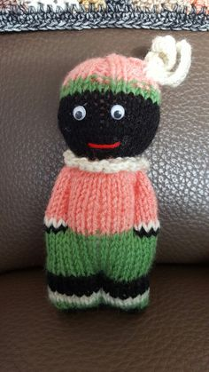 I love knitting comfort dolls. Knitted Doll Patterns, Baby Hat Patterns, Knitted Dolls, Amigurumi Patterns, Stuffed Toys Patterns, Knitting Patterns Free, Crochet Toys, Loom Knitting, Knitting Stitches