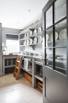 The Pantry Ladder - Walk in pantry with open artisan shelving by Humphrey Munson Kitchens Kitchen Butlers Pantry, Kitchen Pantry Design, Butler Pantry, Kitchen Storage, New Kitchen, Kitchen Decor, Kitchen Layout, Table Storage, Food Storage