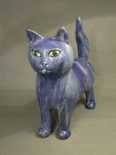 Ceramic cat by Nora Loschan