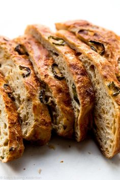 This super crusty no knead jalapeño cheddar bread is baked in a dutch oven and requires practically zero hands-on work from you! Cheddar Bread Recipe, Brown Bread Recipe, Knead Bread Recipe, No Knead Bread, Yeast Bread, Cheese Bread, Low Carb Recipes, Baking Recipes, Party Recipes
