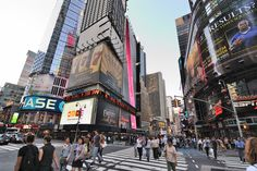 New York City is more than just a city–it's a legend. The city is on the short list of the most influential and desirable places in the world. It's a center of art, culture, fashion, and finance, and it's been the setting of more movies and television shows than you can count.