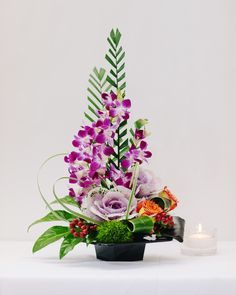 Modern design of Orchids,Roses amd Cabidge in black tray. Fresh Flowers Online, Cheap Flowers, Unique Flowers, Flower Arrangement Designs, Unique Flower Arrangements, Flower Designs, Home Flowers, Church Flowers, Same Day Flower Delivery