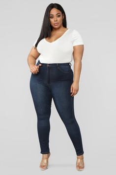 Say hi to your waist as you slip into our best-selling Flexible stretch denim pants. Providing a seamless transition from day to night, These jeans are a wardrobe essential. Plus Size Jeans, Dark Jeans, Dark Denim, Curve Jeans, Denim Top, Denim Jeans, High Waist Jeans, Stretch Denim, Plus Size Outfits