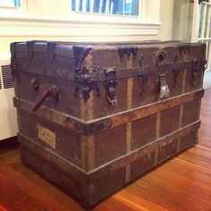How to Restore an Old Steamer Trunk - Part 1