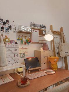 Room Design Bedroom, Room Ideas Bedroom, Bedroom Decor, Study Room Decor, Room Setup, Study Rooms, Study Desk, Desk Setup, Cute Room Ideas