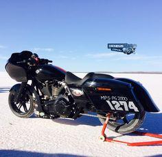 www.mcnews.com.au wp-content uploads 2015 03 Harley-Davidson-Road-Glide-Special-Salt-Racer-3.jpg