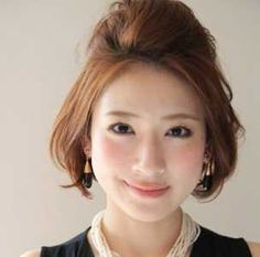 要出展 ポンパドール ショート 入園式 髪型