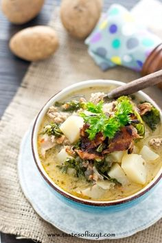 Paleo Zuppa Toscana - Tastes of Lizzy T This soup is delicious! Hubby and kids loved it! Substituted half and half for the coconut milk. Whole30 Soup Recipes, Paleo Soup, Slow Cooker Recipes, Crockpot Recipes, Cooking Recipes, Paleo Whole 30, Whole 30 Recipes, Whole Food Recipes, Dairy Free Recipes Easy