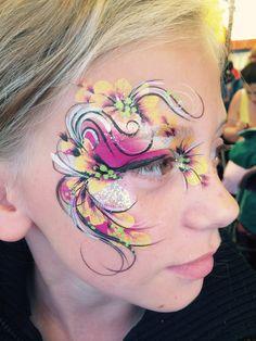 Eye design swirls n curls
