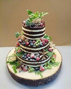 Nahá torta na pníku, krásna, krásna, krásna! | Autorka: Michaela Hybská