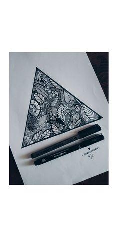 mandala 62 ideas zentangle art dibujos mandalas for 2019 Mandala Doodle, Easy Mandala Drawing, Simple Mandala, Mandala Art Lesson, Doodle Art Drawing, Zentangle Drawings, Pencil Art Drawings, Art Sketches, Doodles Zentangles