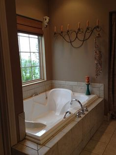 Relax in this large soaking tub! The Northwyke, plan 759. http://www.dongardner.com/plan_details.aspx?pid=571. #Master #Bathroom #SoakingTub