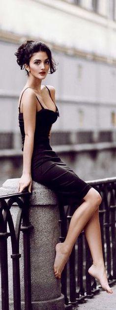 #street #fashion black dress classic style @wachabuy #Fashion #schwarz #Kleid #Schönheit #chic