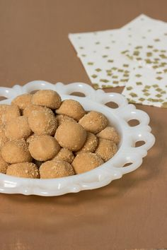 1950's Inspired No-Bake Peanut Butter Bites - These are so peanut buttery, easy to make, and delicious!