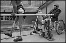 Afghanistan, 1996 - Land mine victims learned to walk on prosthetic legs  at ICRC clinic. 	(by James Nachtwey)