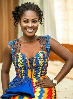 The Origin of Beautiful Kente Materials and African Beauty Queens Wearing them - WearitAfrica African Lace Dresses, African Fashion Dresses, African Attire, African Wear, African Women, Ankara Fashion, Ghana Fashion, Fashion 2017, Kente Dress
