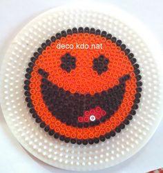 Perles hama smileys sur plaque ronde les loisirs de pat idee pinterest smileys perles - Smiley perle a repasser ...