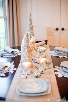 Love this table decor!