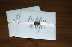 #wedding #weddinginvite #waxseal #tracingpaperwrap #pearlescentstock #handlettering #weddinginvitation