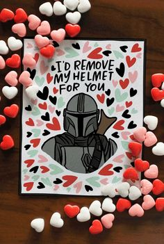 Perfect for kids school class. Baby Yoda, Mando, Droids Designed by Caravan Shoppe. Nerd Valentine, Funny Valentines Cards, Valentines Gifts For Boyfriend, Valentines Day Gifts For Her, Valentine Day Crafts, Manualidades Star Wars, Diy Presents For Boyfriend, Regalos Star Wars, Cute Anniversary Gifts