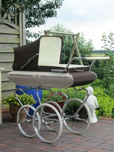 Van Delft,Nederlandsekinderwagen einde jaren 60 - €325.00 : Kinderwagen-Nostalgie.Com